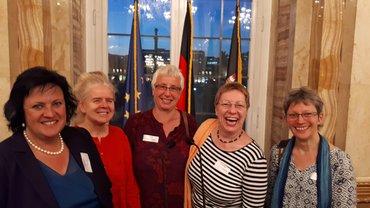 ver.di-Frauen beim Empfang: Heike Walter, Margit Meisel, Tilly Baier, Anette Sauer und eine Kollegin aus Heidelberg
